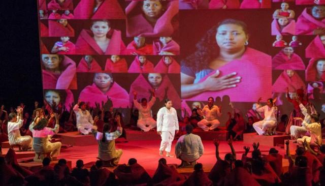 Foto: Unidad para las Víctimas. El año pasado, la conmemoración del Día de las Víctimas se hizo con una presentación de Inxilio, obra de danza moderna del Colegio del Cuerpo.