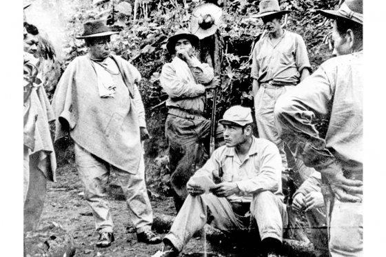 """Manuel Marulanda 'Tirofijo' escribió en 'Cuadernos de Campaña' sobre El Davis: """"Era un inmenso refugio humano en el corazón de la zona de operaciones"""". / Archivo - El Espectador"""
