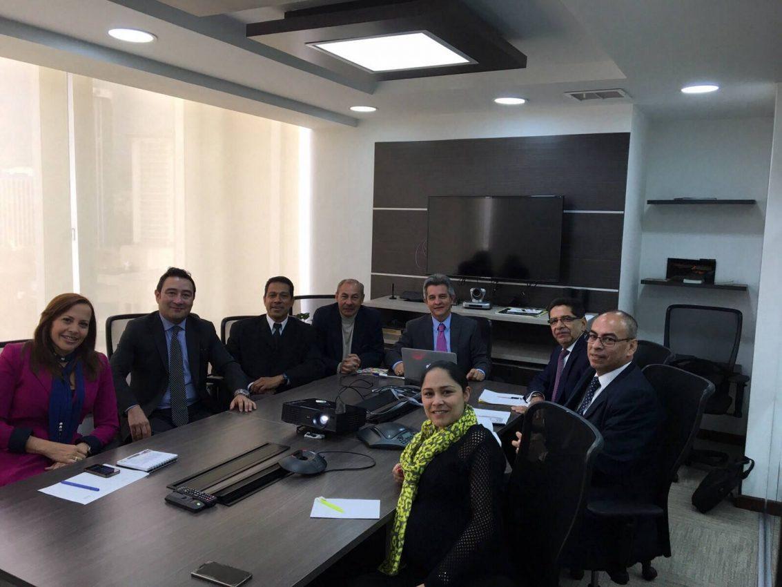 Archivo CNAI/ Reunión entre viceministra de Turismo y la Junta Directiva de CONFETUR/ 15 de diciembre 2015