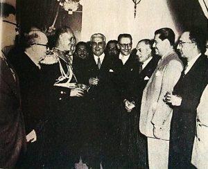 Foto: revista Credencial Historia, edición 197/ Cóctel ofrecido en el Palacio por el presidente Rojas a los miembros de la Asamblea Nacional Constituyente/ 13 de Junio