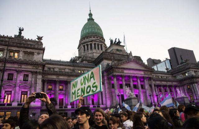 """Foto: Portal el Tribuno de Argentina/ Marcha hacia el Congreso a pedir """"Ni Una Menos"""""""
