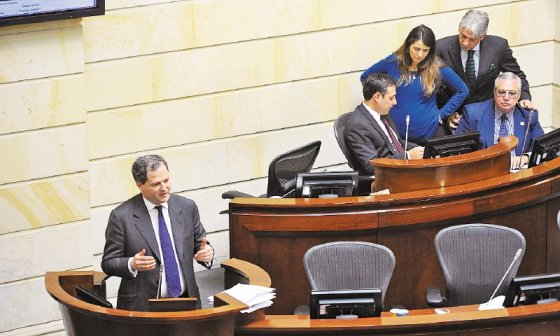El comisionado de Paz, Sergio Jaramillo, en su intervención de ayer en el Senado. / Cristian Garavito