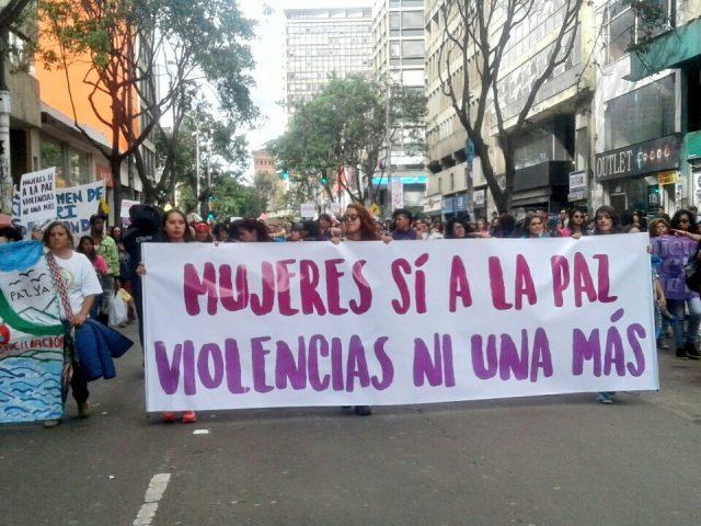 Foto: Corporación Colombiana de Teatro/ Movilización día Internacional de la Eliminación de la Violencia contra la Mujer / Noviembre 25 de 2016