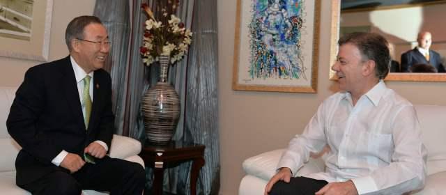 El secretario general de la Onu, Ban Ki-moon (izq.) instó a las naciones a apoyar el proceso de paz en Colombia. FOTO PRESIDENCIA
