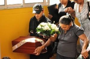 Funeral de víctimas asesinadas por paramilitares  en Arauca   Foto: Alcaldía de Arauca