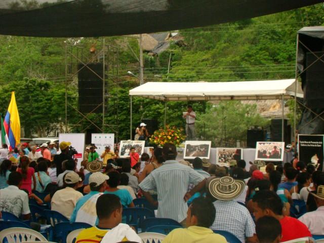 Foto: CNAI/ La comunidad de Flor del Monte en los 20 años de la Corporación Nuevo Arco Iris
