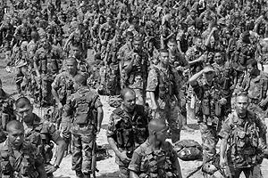 Entre 2004 y 2006 se desmovilizaron los grupos paramilitares que se acogieron al proceso de Justicia y Paz. Foto: archivo Semana.
