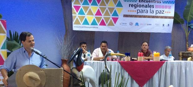 Foto tomada del portal de la Oficina del Alto Comisionado para la Paz/ Visita de Sergio Jaramillo en Putumayo.