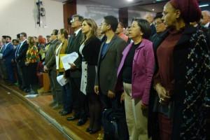 Foto CNAI/ Canto del Himno Nacional de Colombia en el Encuentro Nacional de Paz, en el Congreso de la República. 22 de Julio 2015