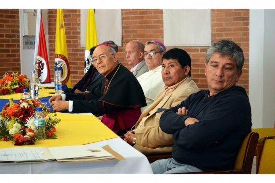 Foto: Germán Moreno/ Firmantes del acuerdo de paz de 1990, de izq. a der.: Manuel Buitrago, Diosdé González, Monseñor Luis F. Sánchez, y Monseñor Jorge Gómez.