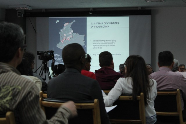 Foto: CNAI/ Foro, Bogotá ¿Hacia dónde vamos? en la Universidad Nacional, Auditorio anexo al León de Greiff/ 15 de marzo de 2016