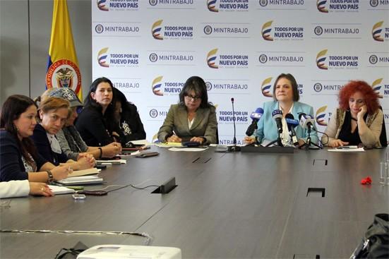 Foto: Ministerio de Trabajo/ Encuentro de Clara López com mujeres de distintos sectores sociales/ 5 de mayo de 2016