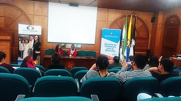 Foto: María Cristina Arias Pulido/ Leonard Rentería y Aura Rodríguez en U. Santo Tomás/ Septiembre 15 de 2016