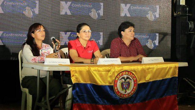 Foto: Corporación Nuevo Arco Iris/ Comandantes Isabela Sanroque, Sandra Ramírez y Olga Marín/ X Conferencia Nacional Guerrillera. Septiembre 20 de 2016