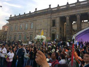 Foto: Archivo CNAI/ Marcha de las flores. Plaza de Bolívar/ Octubre 12 de 2016